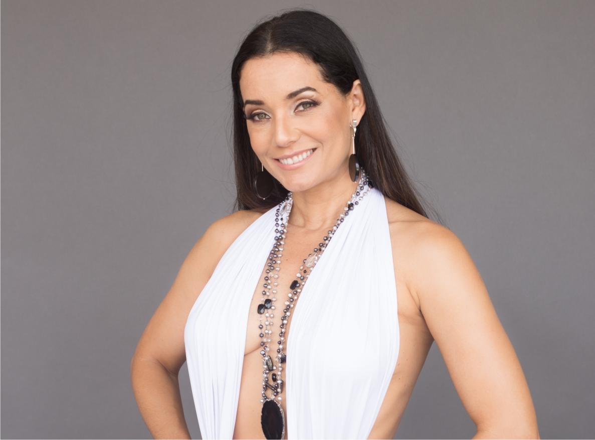 ee1ded3cae ESTRELA: Mônica Carvalho cada vez mais linda (e cheia de projetos) -  Revista Mensch